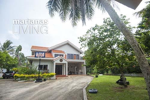 3453—5 Bed 4 Bath with Pool Executive Home in Papago — Saipan001