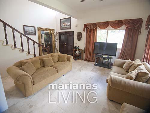 3453—5 Bed 4 Bath with Pool Executive Home in Papago — Saipan006